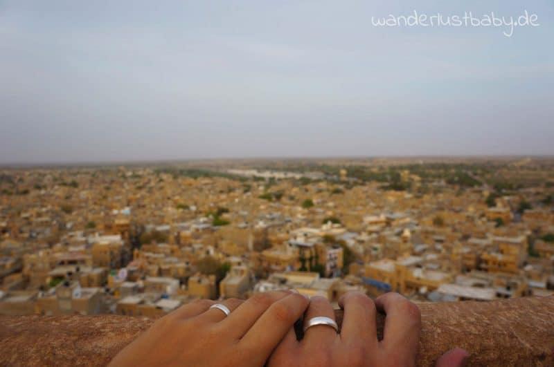 Weltreise 1 Jahr Hände in Jaisalmer