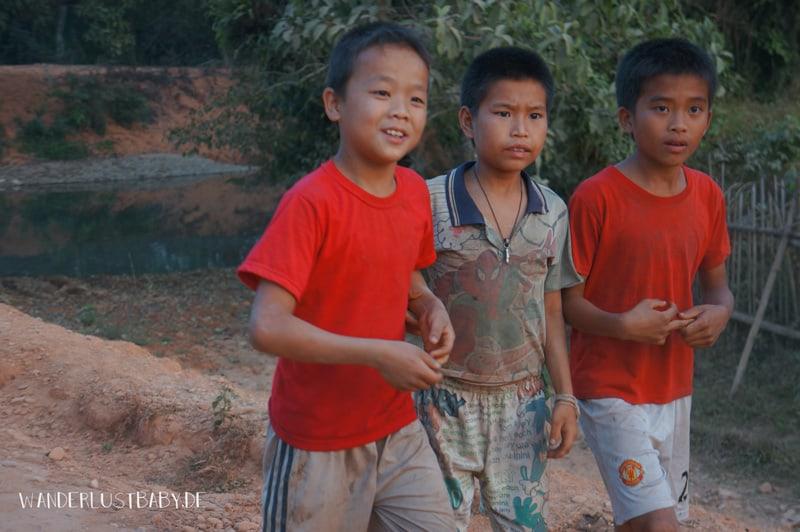 3 laotische Kinder