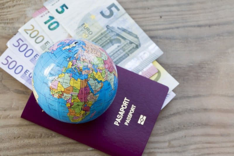 Was kostet eine Weltreise Geld und Reisepass