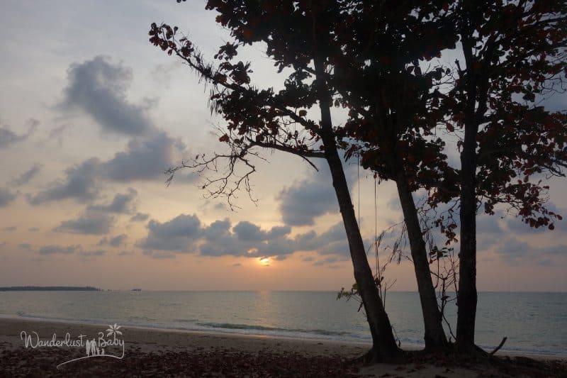 Sonnenuntergang leicht bewölkt