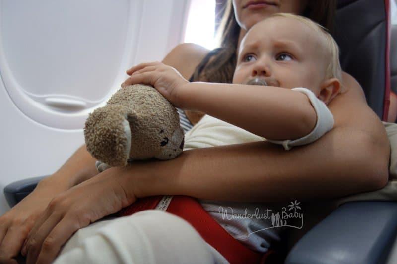Langstreckenflug mit Kleinkind / Baby