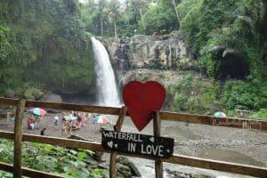 Bali mit Kindern Wasserfall 3