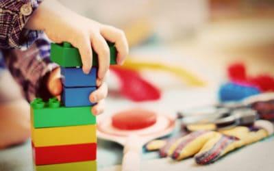 Spielzeug für 2-jährige Jungs – Geschenkideen!