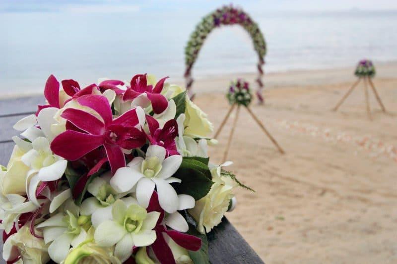 heiraten in thailand blumen